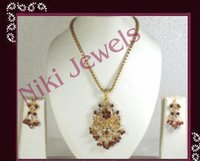 Fashion Pendant Necklace Set