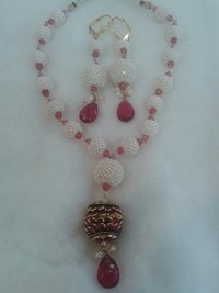 Ladies Necklace With Earings