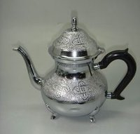 Tea Pot With Sliver Chrome Finish