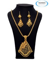 Gold Jewelry Pendant Set