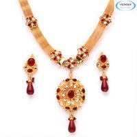 Vendee Kundan Necklace Jewelry Set
