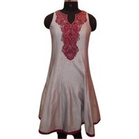 Girls Embroidered Chanderi Suit