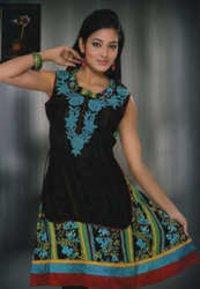 Ladies Sleeveless Salwar Suits