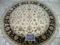 Black Ivory Round Rugs (5x5)