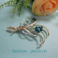 Fashion Blue Crystal Flower Jewelry Brooch
