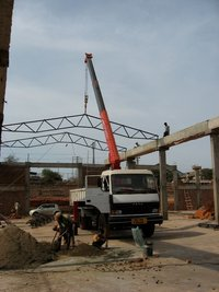 Truck Mounted Cranes For Building Construction