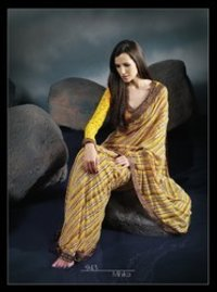 Mihika Sarees With Blouse