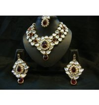 Petal Diamond and Ruby Set with Maang Tika