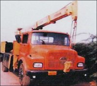 Heavy Duty Truck Mounted Crane