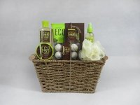 Bath Gift Set In Seagrass Wire Basket Set