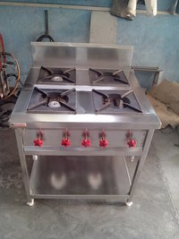 4 Burner Gas Range With Containers