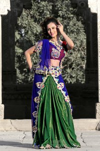 Deep Green Faux Shimmer Georgette Lehenga Style Saree With Unstitched Blouse (920)