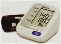 Blood Pressure Monitor (Hem-7132)
