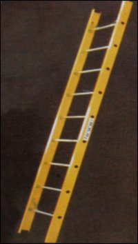Erp Wall Support Ladder With Aluminum Steps