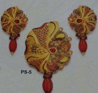 Stylish Paper Antique Pendant Set