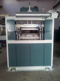 Thermoforming Machine With Inline Cutting And Stacking