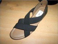 Ladies Black Leather Chappal