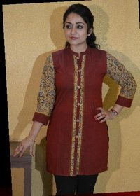 Short Ladies Kurta with Front Slit and Kalamkari Sleeves
