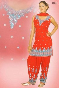 Exclusive Ladies Punjabi Suits (I039)