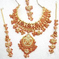 Attractive Kundan Jewellery Set