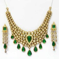 Kundan Jewellery Set