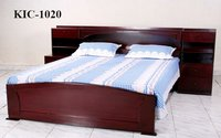 Wooden Cot (KIC-1020)
