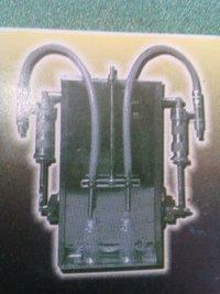 Semi Automatic Liquid Filling Machines (Model No-522)