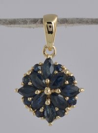 New Women Fashion 1.20 Cr Blue Sapphire 9 Kt Gold Girl Pendant Necklace