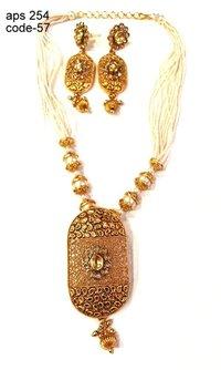 Imitation Designer Antique Necklace Set