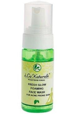 Fresh Glow Foaming Face Wash