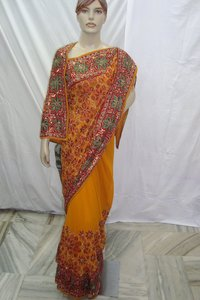 Border Flower Buti Saree