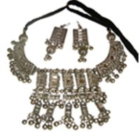 Metal Neck Set With Earrings