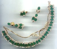 Green Onyx Studded Necklace Set