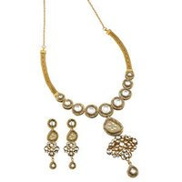 Aesthetic Design Gold Necklace Set