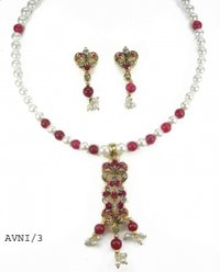 Glass Bead And Pearl Necklace Sets