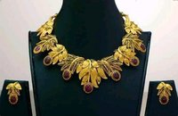 Ladies Elegant Gold Necklace Set