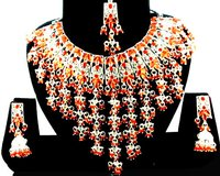 Traditional Design Necklace Set