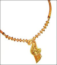 Traditional Design Gold Necklace Set