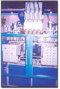 Four Parejens & Double Stations Injection Moulding Machine
