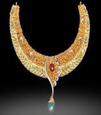 Fashionable Gold Necklace