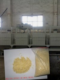 Beans/Mungbean Decorticating Machine