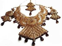 Traditional Imitation Necklace Set