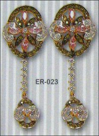 Diamond Studded Gold Earring