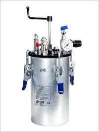 Pressure Feed Pot