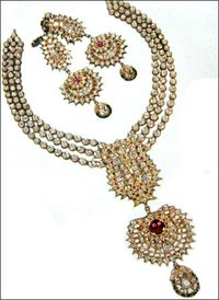 Diamond Studded Necklace Set
