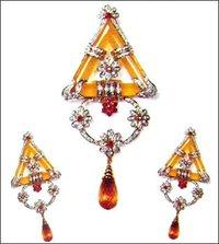 Diamondy Jewellery And Onex With Captivating Colourstones