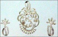 Ladies Diamond Pendant Set