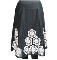 Ladies Skirt With Parel