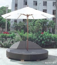 PE Rattan Weaves Furniture & Umbrella