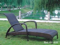 PE Rattan Weaves Chaise Lounge
